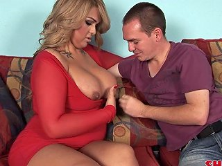 Stimulating Shemale With A Thick Body Rides The Cock With Passion