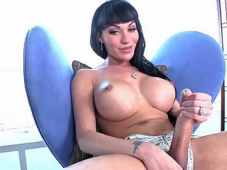 Busty Tranny Solo Cock Jerking Her Thick Cock Porn Videos